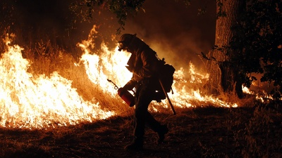 Firefighter-in-Lake-County-California-jpg_20150916120940-159532