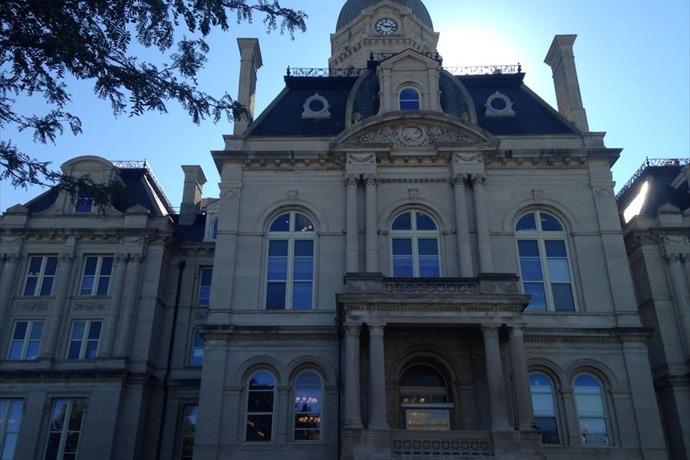 Vigo County Courthouse_-1637318894912189416