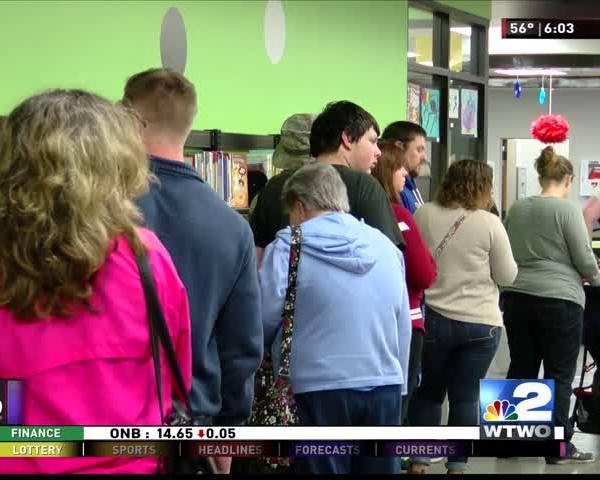 Voter Center Lines 11-8-16
