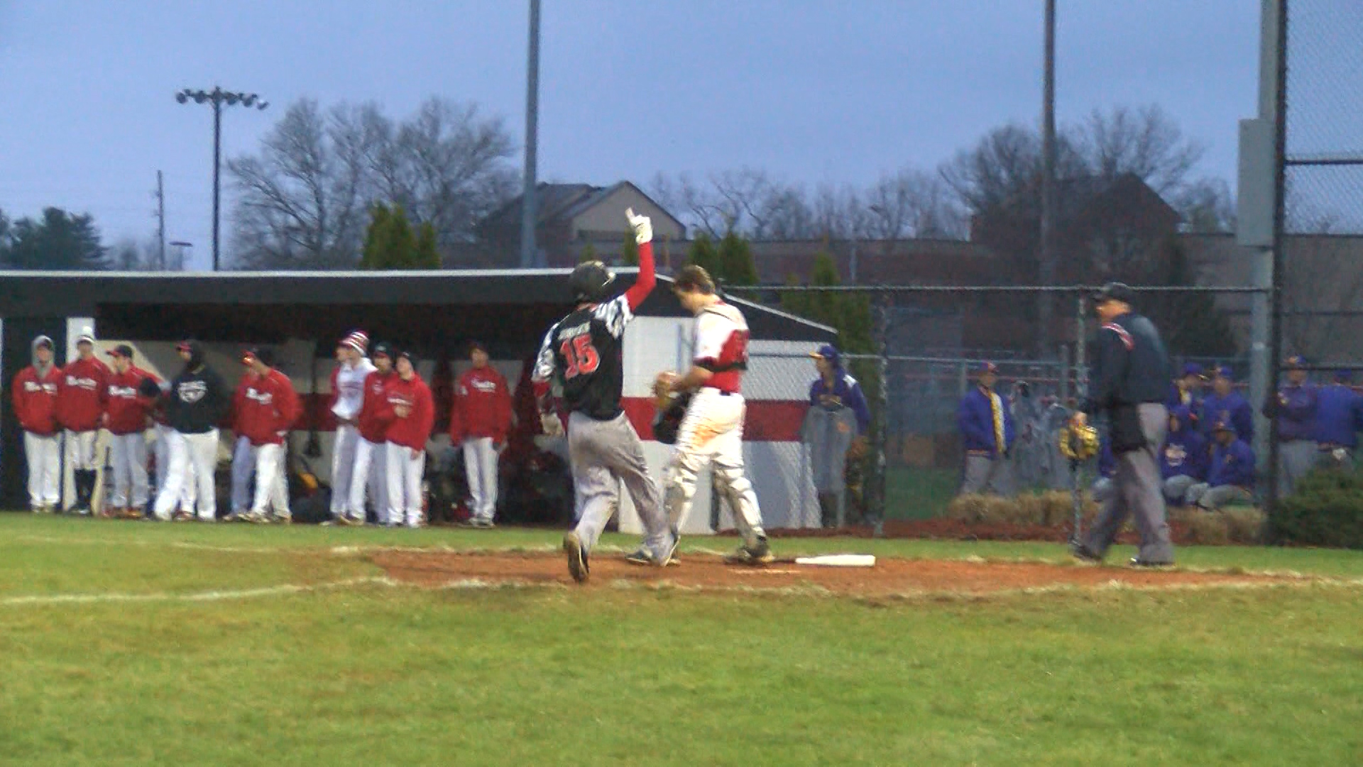 SOUTH WINS ON WALKOFF_1491016086739.jpg