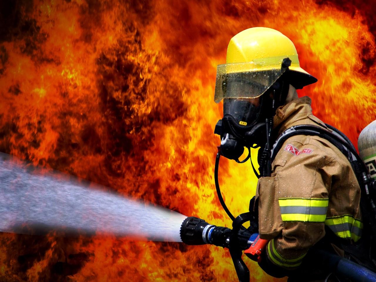 Fire Fighters_1502487346407.jpg