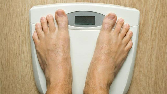 feet on diet scale weight loss_2373764267147654-159532