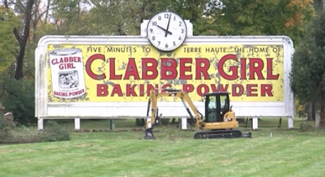 clabber girl sign_1540934850653.jpg.jpg