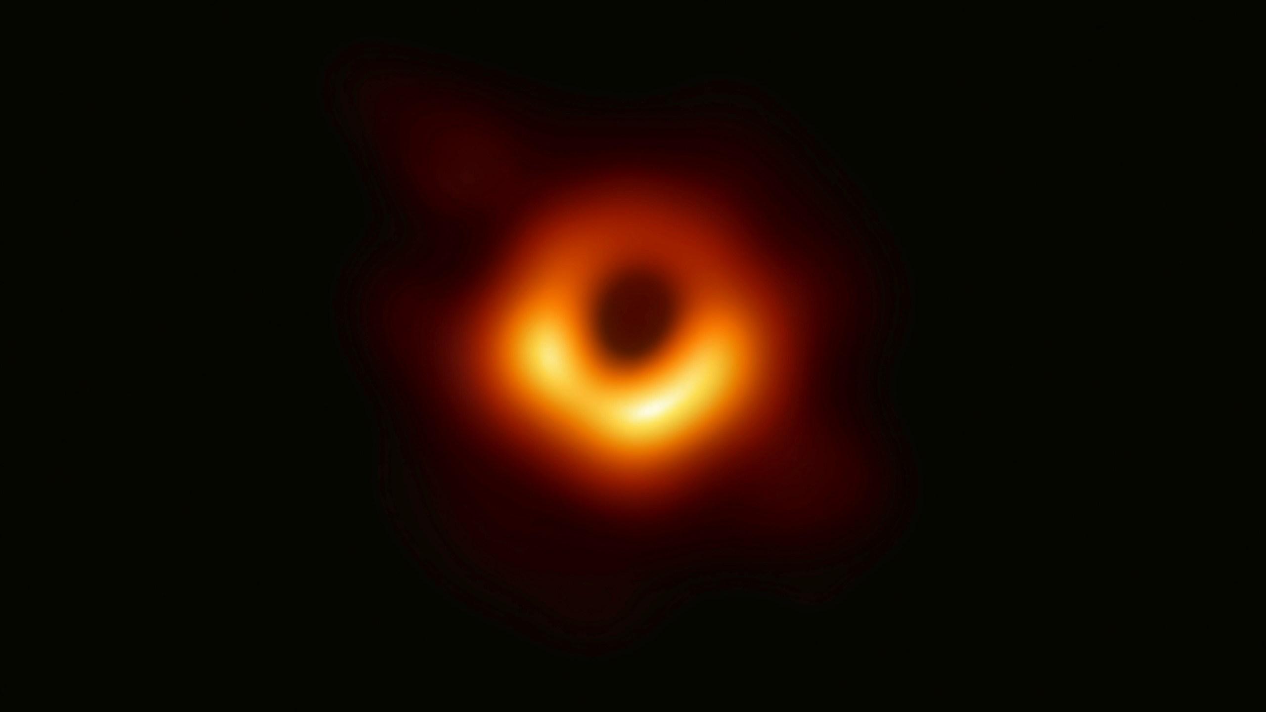 Black Hole_1554916188968