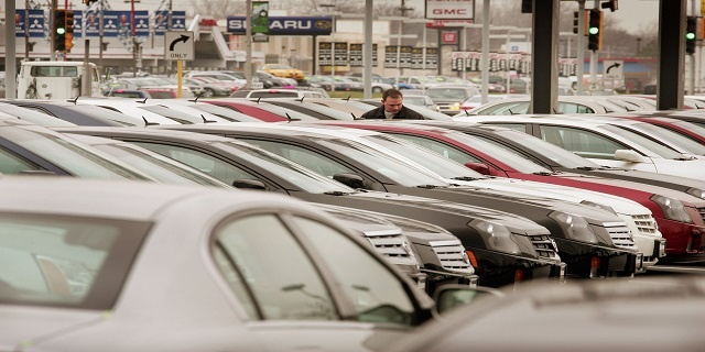 Generic auto dealership _3503352645287356-159532