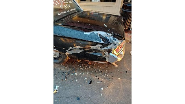 Police car at Mayberry Cafe damaged in crash