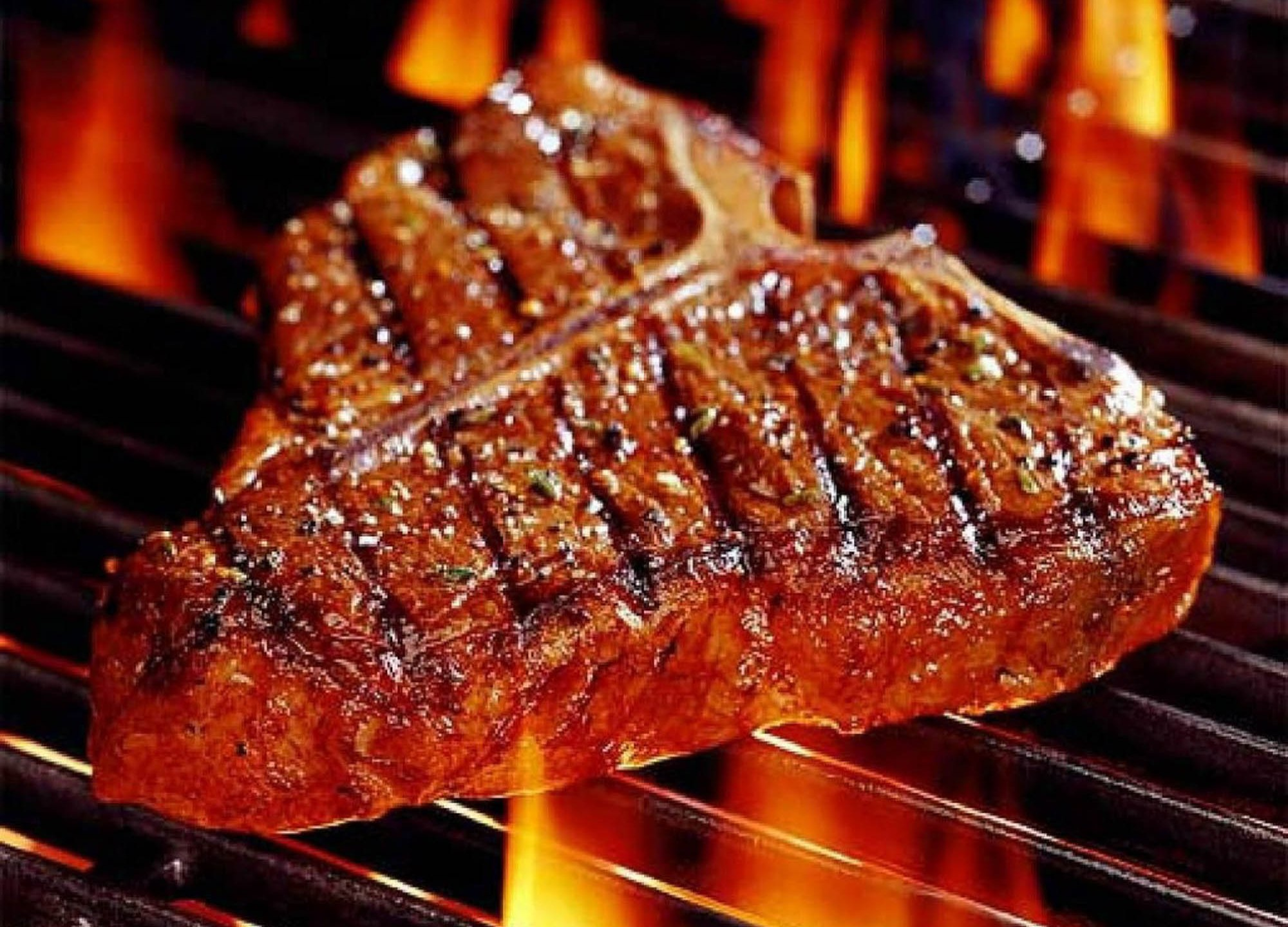 T-Bone-Steak-with-Great-Grill-Marks_1560119453186.jpg