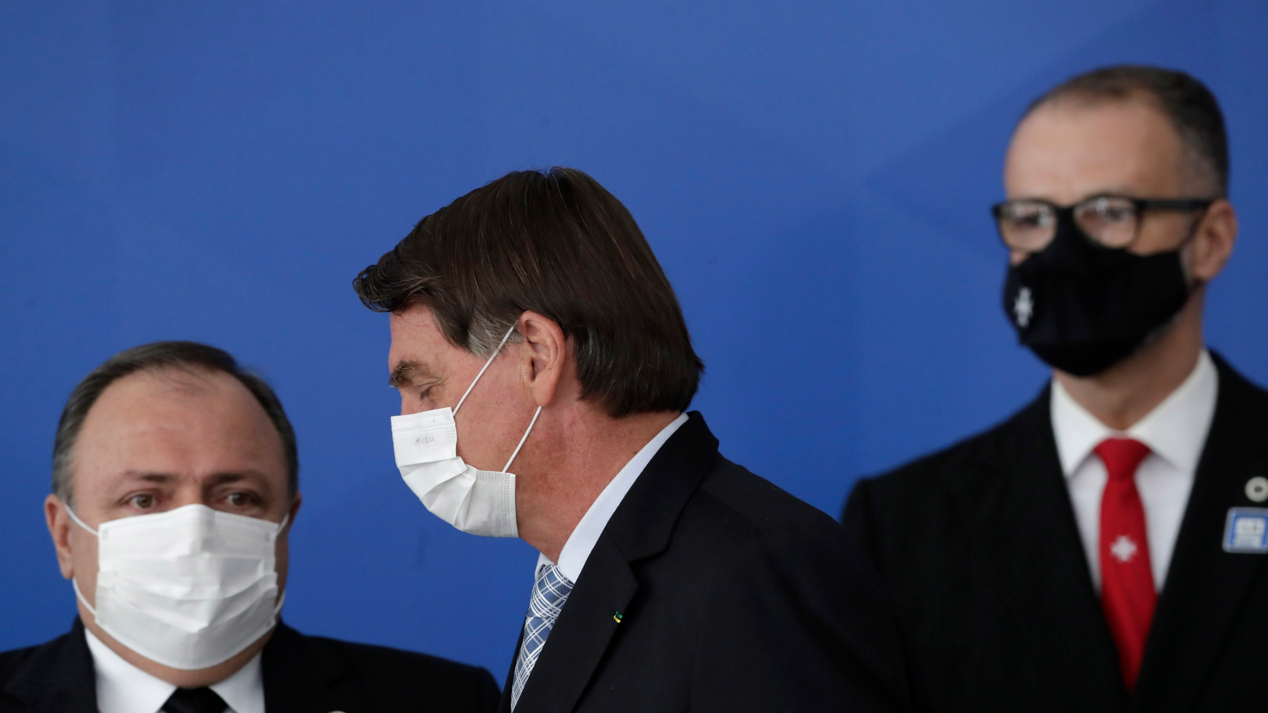 Jair Bolsonaro, Eduardo Pazuello, Antonio Barra Torres