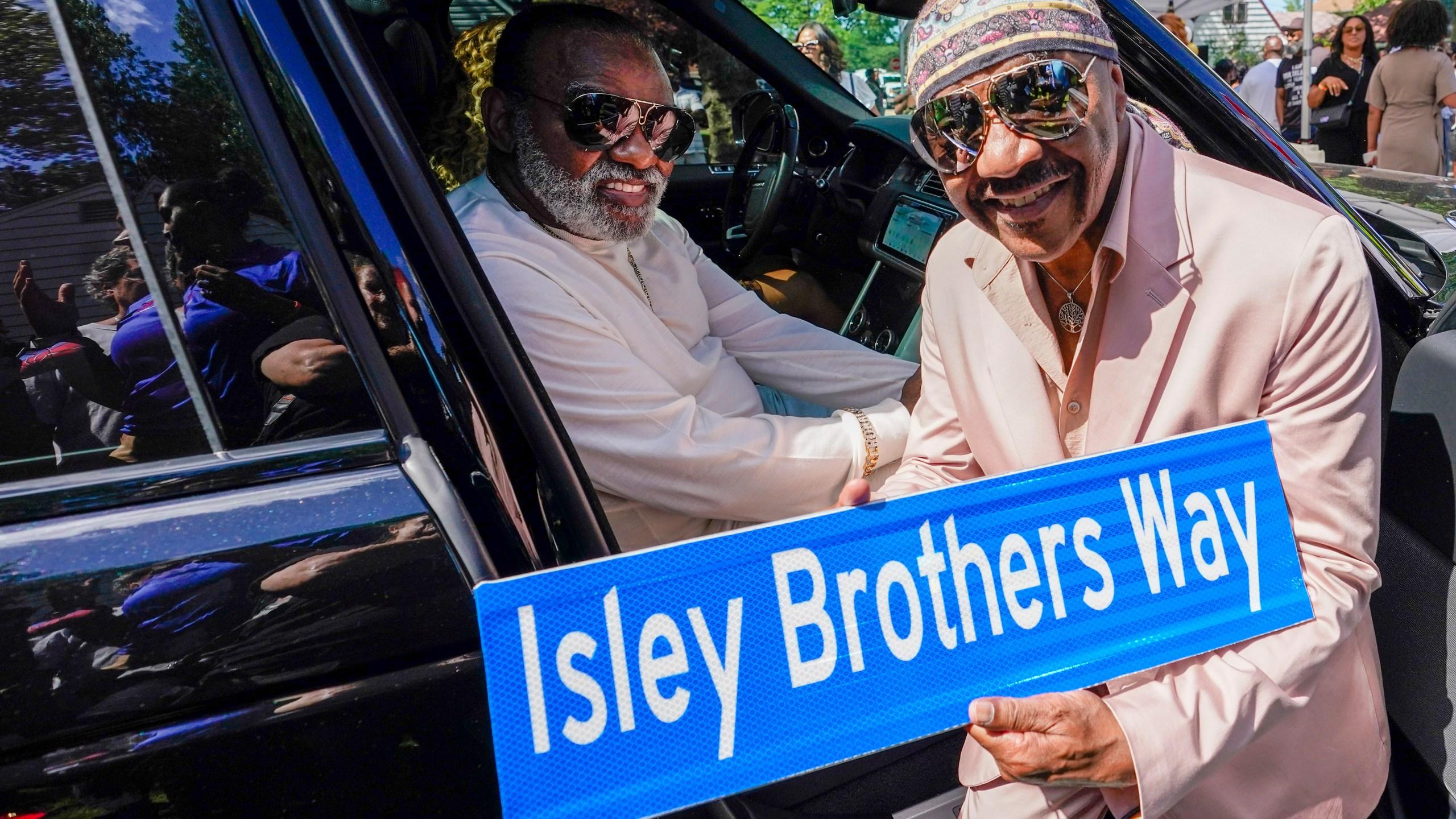 Ron Isley, Ernie Isley